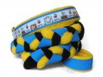 Agility-Zergelleine We love Agility - Leinenteil aus hochwertigem Fleece (gelb und schwarz) und Gurtband (blau) geflochten - Halsung mit Borte We love Agility versehen - Halsung und Handschlaufe mit gelbem Fleece unterfüttert