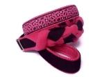 Agility-Zergelleine Pink Leo - Leinenteil aus hochwertigem Fleece (pink) und Gurtband (schwarz) geflochten - Halsung mit Borte Pink Leo versehen - Halsung und Handschlaufe mit pinkfarbenem Airmesh unterfüttert