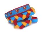 Agility-Zergelleine Superman - Leinenteil aus hochwertigem Fleece (rot und sonnengelb) und Gurtband (blau) geflochten - Halsung mit Borte Superman versehen - Halsung und Handschlaufe mit rotem Airmesh unterfüttert
