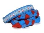 Agility-Zergelleine Ahoi - Leinenteil aus hochwertigem Fleece (meerblau und rot) Gurtband (blau) geflochten - Halsung mit Borte Ahoi versehen - Halsung und Handschlaufe mit mittelblauem Airmesh unterfüttert