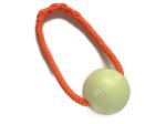 Chuckit Glow-in-the-dark-Ball - Größe Large (Balldurchmesser 7,5 cm) mit Band