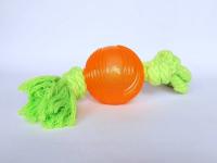 TPR (Thermo-Plastic-Rubber)-Ball mit Seil - TPR-Ball (6 cm) - Seil 30 cm  - TPR ist ein sehr robustes Material, das ein langes Spielvergnügen sichert. Dieser Ball ist mit einem Seil ausgestattet und eignet sich sowohl für die selbstständige Beschäftigung als auch zum gemeinsamen Spiel.