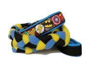 """Agility-Zergelleine """"Superhero blau-gelb"""" - Halsung bis 35,5 cm - Breite ca. 3,3 cm incl. Airmesh-Unterfütterung (Halsung und Handschlaufe) - Gurtband schwarz (25 mm) - Fleece meerblau und zitronengelb - Airmesh blau"""