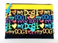"""Leistungsurkunden-Täschchen """"I love my Dog"""" - Außenmaß 25,5 x 18 cm - ausreichend für mehrere Leistungsurkunden und Impfpässe - weich wattiert und mit einem Reißverschluss versehen"""