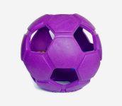 Turbo Kick Soccer - 20 cm Durchmesser - eignet sich sowohl zum gemeinsamen (Fussball-)spiel zwischen Mensch und Hund oder zwischen mehreren Hunden. Der Turbo Kick Soccer kann z.B. auch mit Leckereien wie einem Rinderohr oder ähnlichem befüllt werden, was eine zusätzliche Beschäftigung bietet.